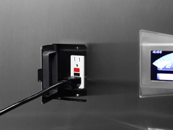 Logic Plus Detail Flush Damped Duplex open Plugged in 800