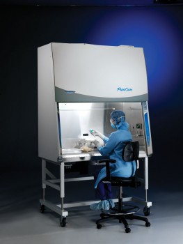 4 foot PuriCare Procedure Station with model 800