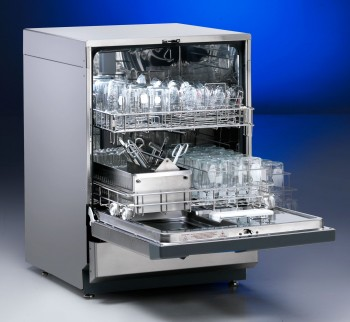 Freestanding SteamScrubber Glassware Washer