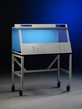 Non-Ventilated PCR Enclosure with activated UV light