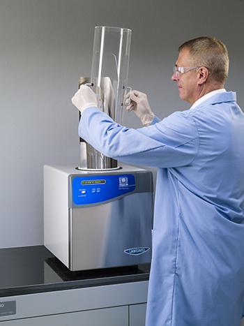 ScrubAir pipette washer and dryer in use