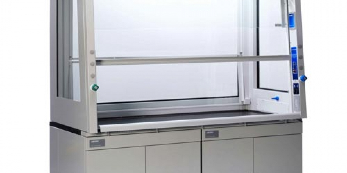 Press Release: New safety benchmark for full-view fume hoods, redesigned Protector ClassMate