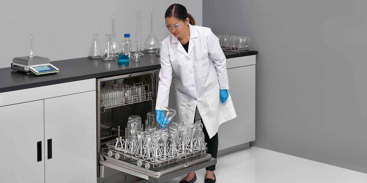Clean Glassware in a FlaskScrubber Glassware Washer