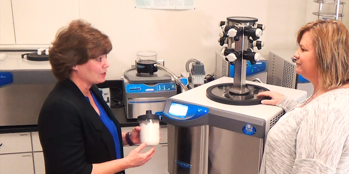 Gail tells Kelly about her irreplaceable freeze drying sample